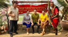 Kunsthandwerk, landwirtschaftliche Erzeugnisse und jede Menge Thai Food bietet der neue Floating Market in der Provinz Lopburi. Foto: Tourism Authority of Thailand