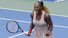 Die Amerikanerin Serena Williams reagiert nach dem Sieg über Maria Sakkari aus Griechenland bei den US Open Tennis Championships im USTA National Tennis Center in Flushing Meadows. Foto: epa/Jason Szenes