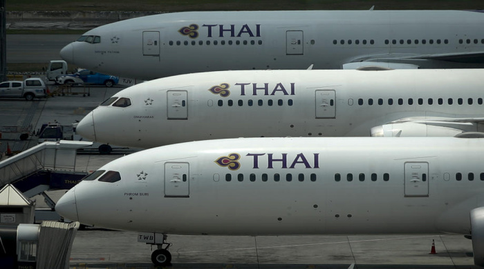 Thai Airways auf dem internationalen Flughafen Suvarnabhumi in Bangkok. Foto: EPA/Diego Azubel