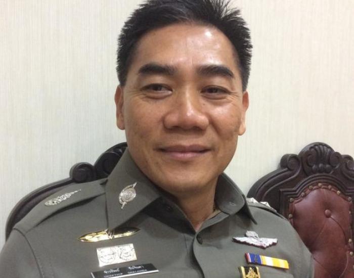 Polizisten Sollen Endlich Haare Kurz Schneiden Lassen Bangkok