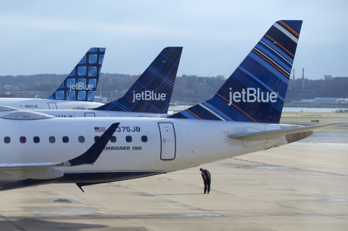 JetBlue-Maschinen auf dem Ronald Reagan Washington National Airport in Arlington, Virginia, USA. Foto: epa/Michael Reynolds