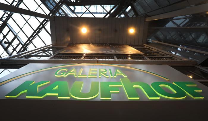 5a3680edd4fd9 Logo des Kaufhauses Galeria Kaufhof in Bremen. Foto: epa/Focke Strangmann